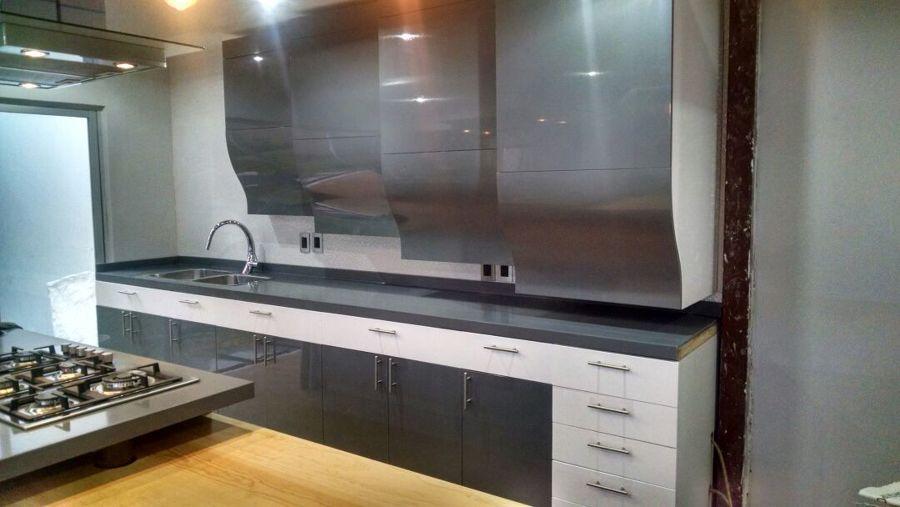 Foto cocina sobre dise o de minimal home furniture for Cocinas sobre diseno