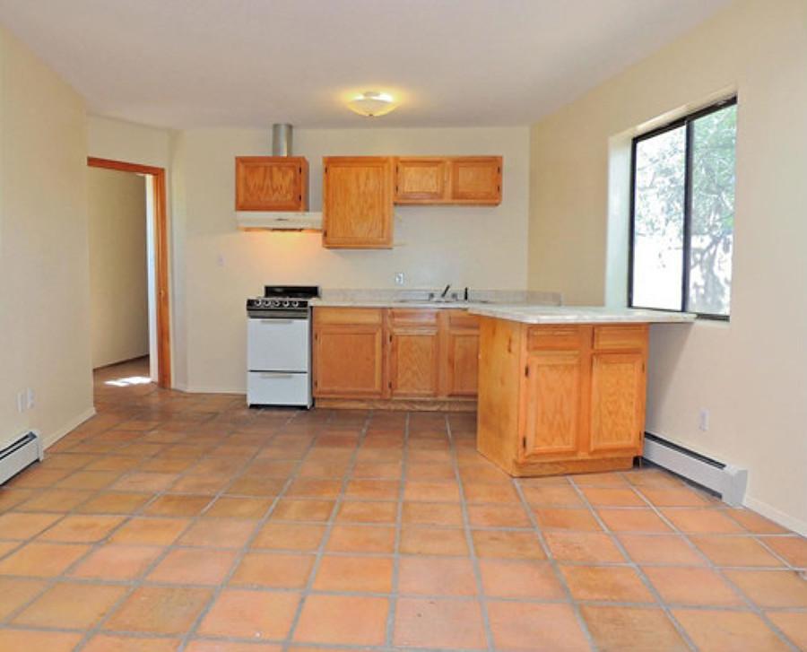 Foto cocina antes con alacenas de madera 213198 habitissimo - Alacenas de madera para cocina ...