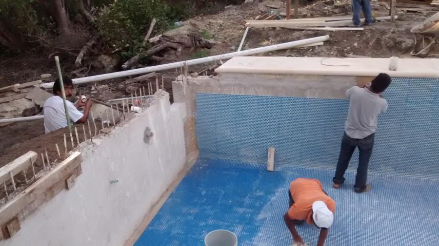 Construcci n de albercas ideas construcci n alberca for Azulejo vitrificado