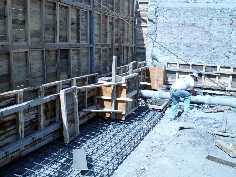 colocación de firme y pilas de soporte del piso