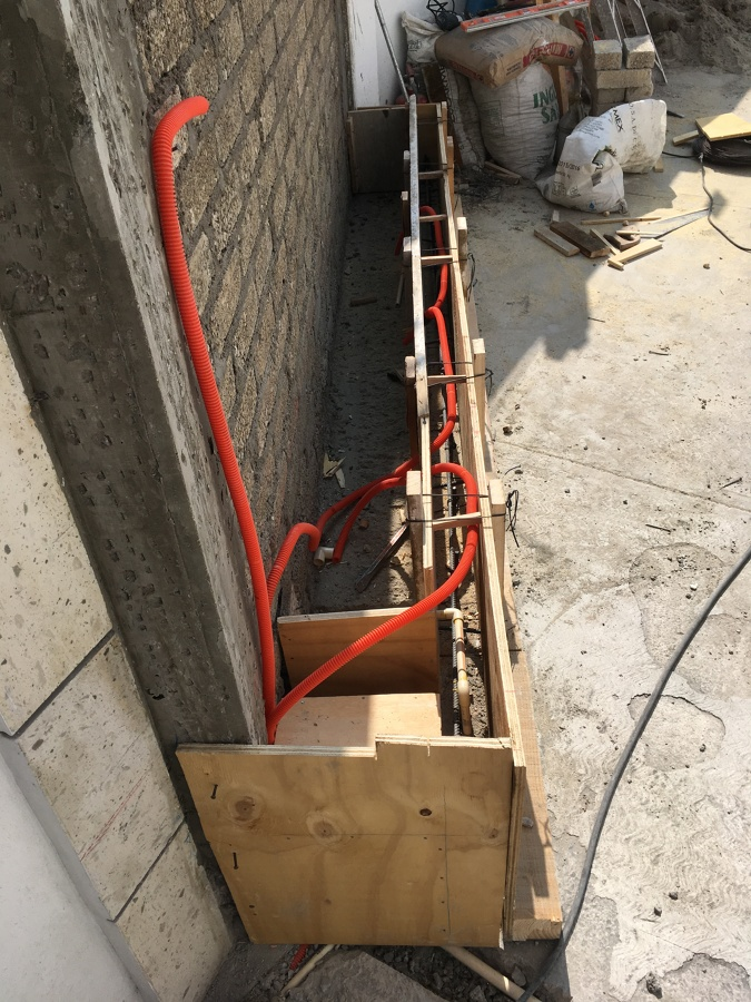 Colocación de manguera para instalación eléctrica