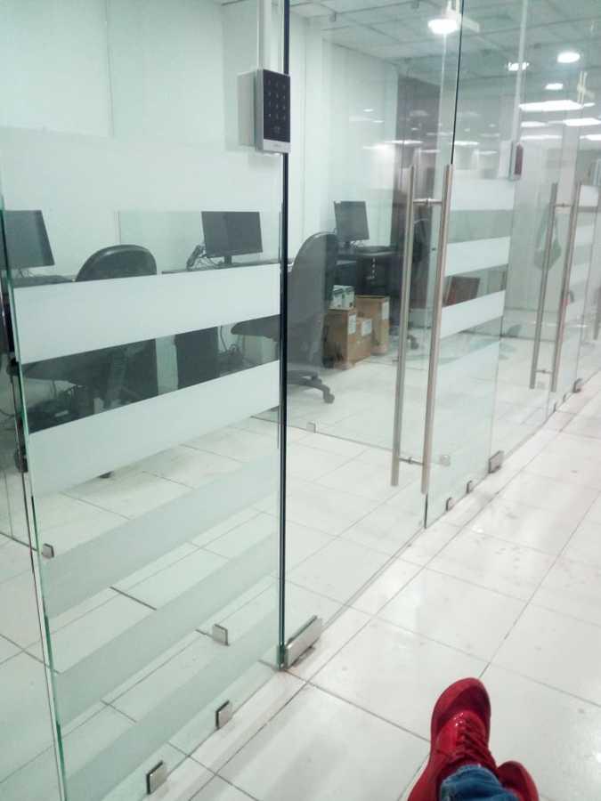 Colocación de sensores de apertura de puertas
