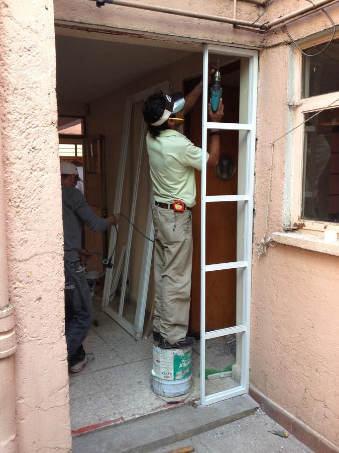 Colocación puerta s-1000