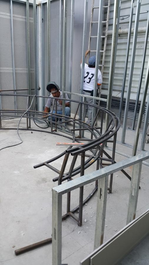 Construccion de Banca  de asiento Circular en Terraza