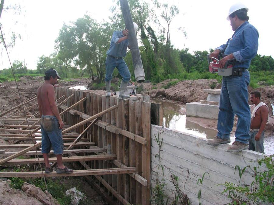 cONSTRUCCIÓN DEL CANAL