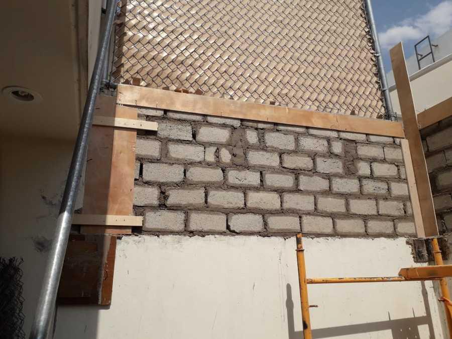 Construcción muros.