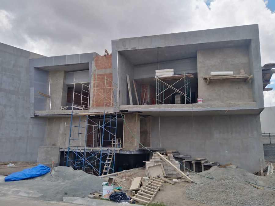 CONSTRUCION DE FACHADA EN CASA RESIDENCIAL