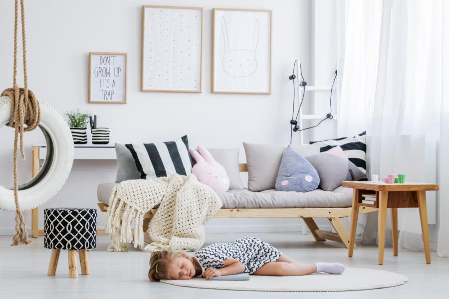 cuarto de niña con decoración infantil