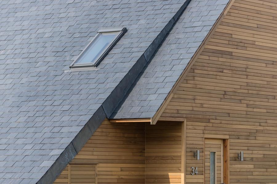 Casa con cubierta de piedra laja