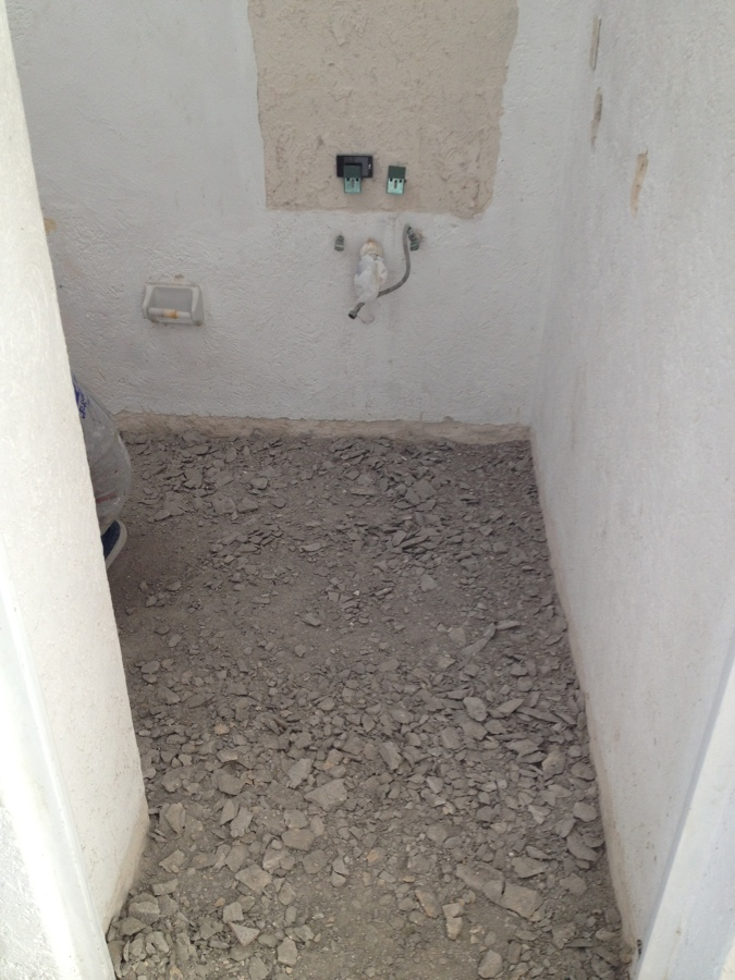 Foto demolici n de piso y retiro de muebles de ba o de visade 226226 habitissimo - Piso vinilico para bano ...