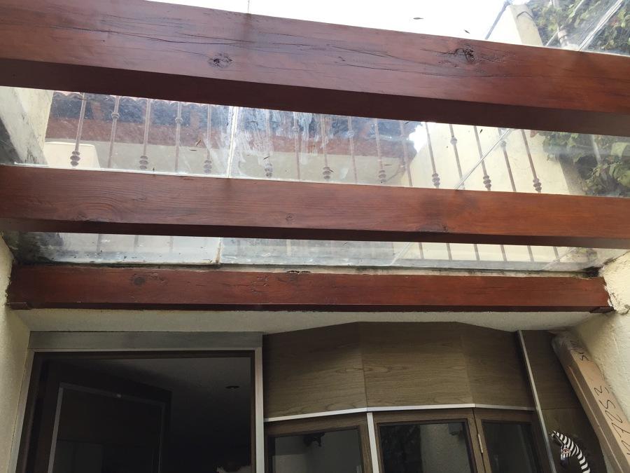 Desmantelamiento de vigas de madera existentes