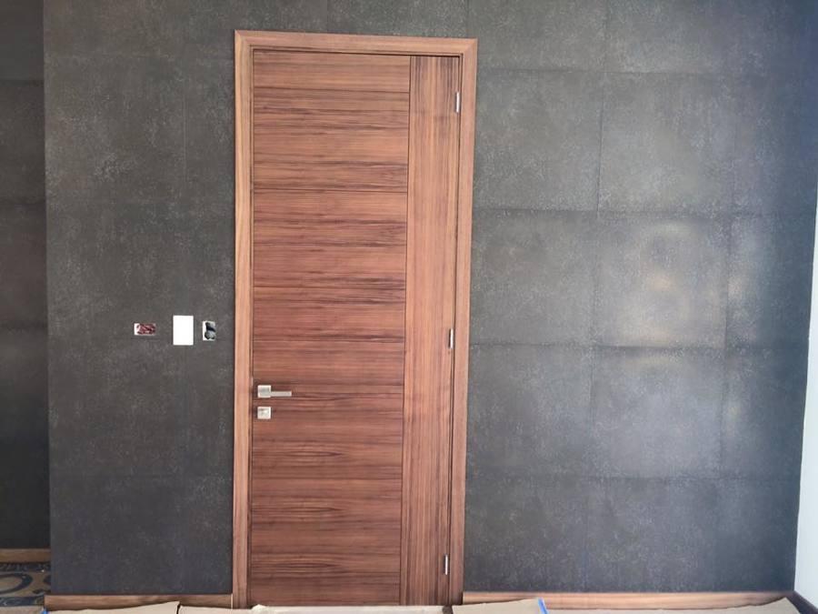 Detalle de puerta y muro