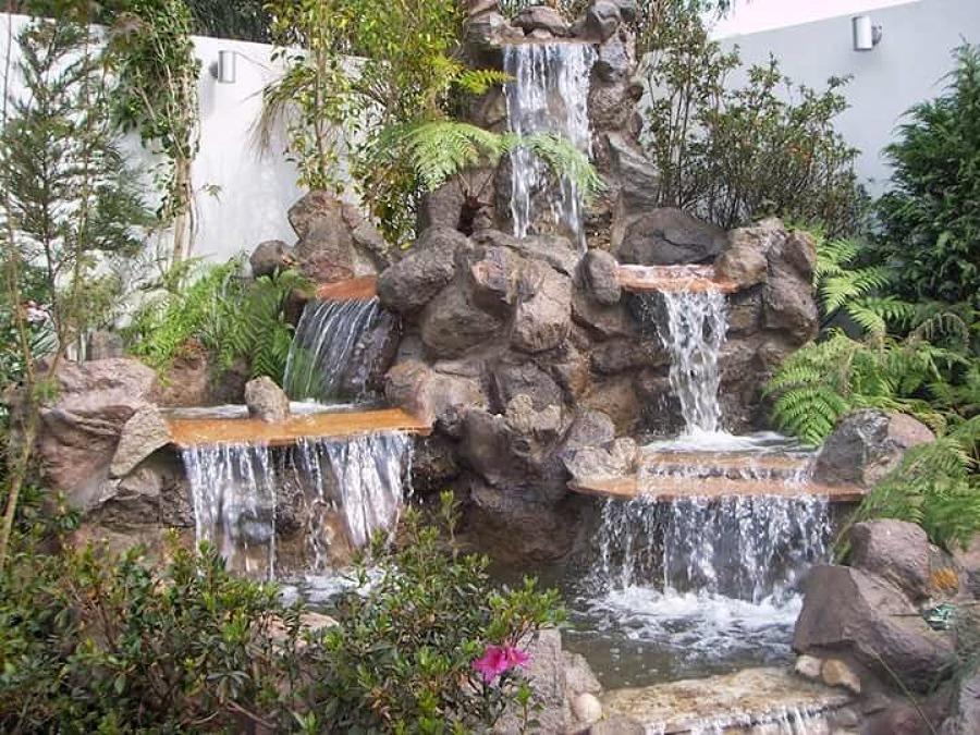 Diseño GREEN Paradise solución verdes:cascada de piedra natural