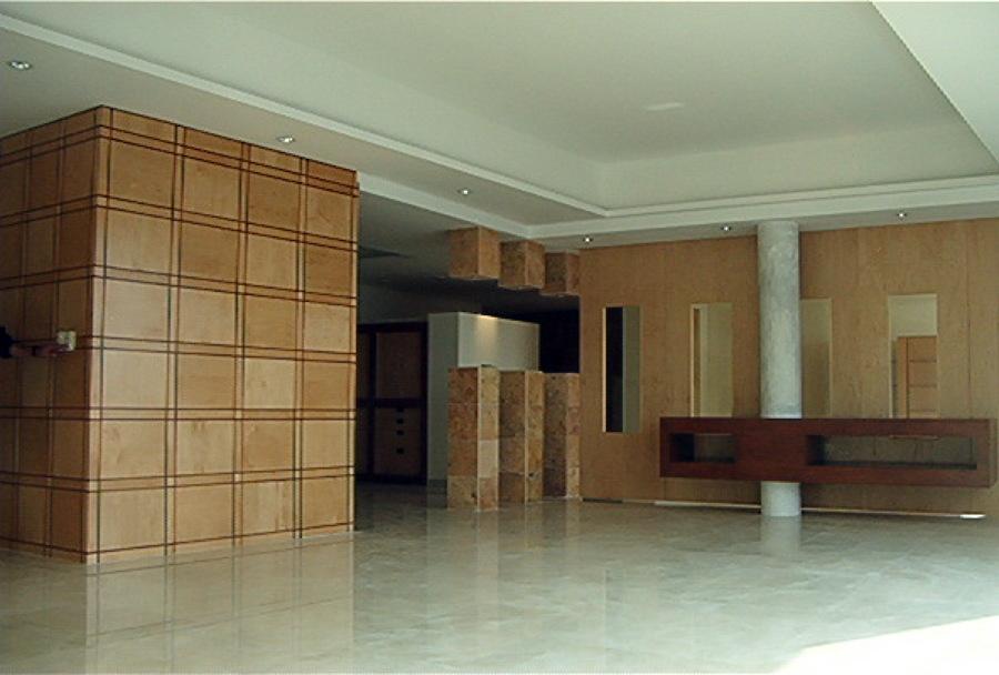 Foto division entre sala comedor y area de tv de arq for Divisiones para sala y cocina