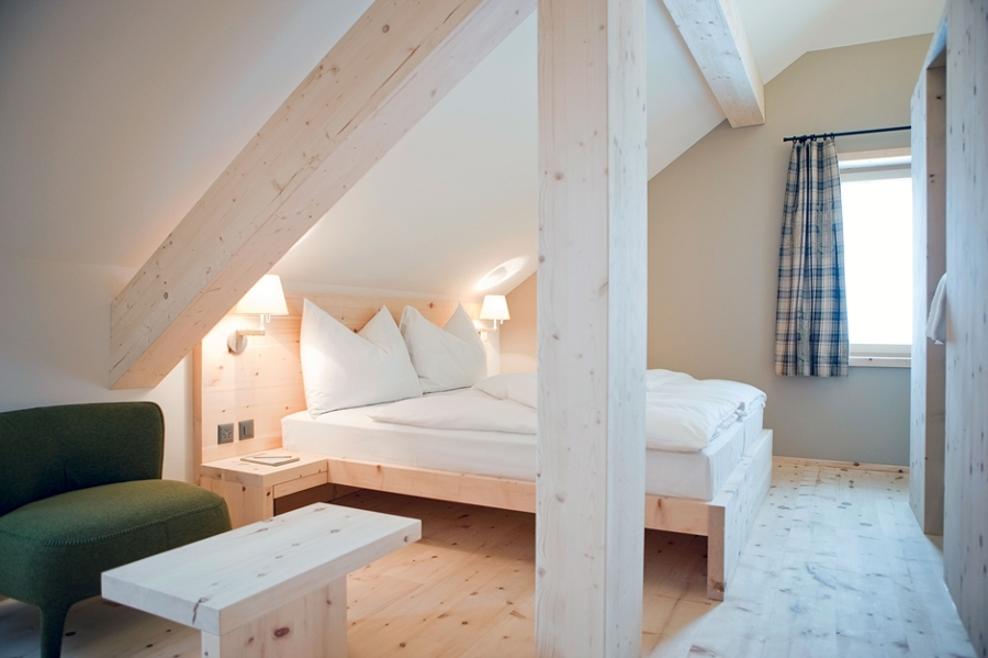 dormitorio-abuhardillado-apartado-5-1