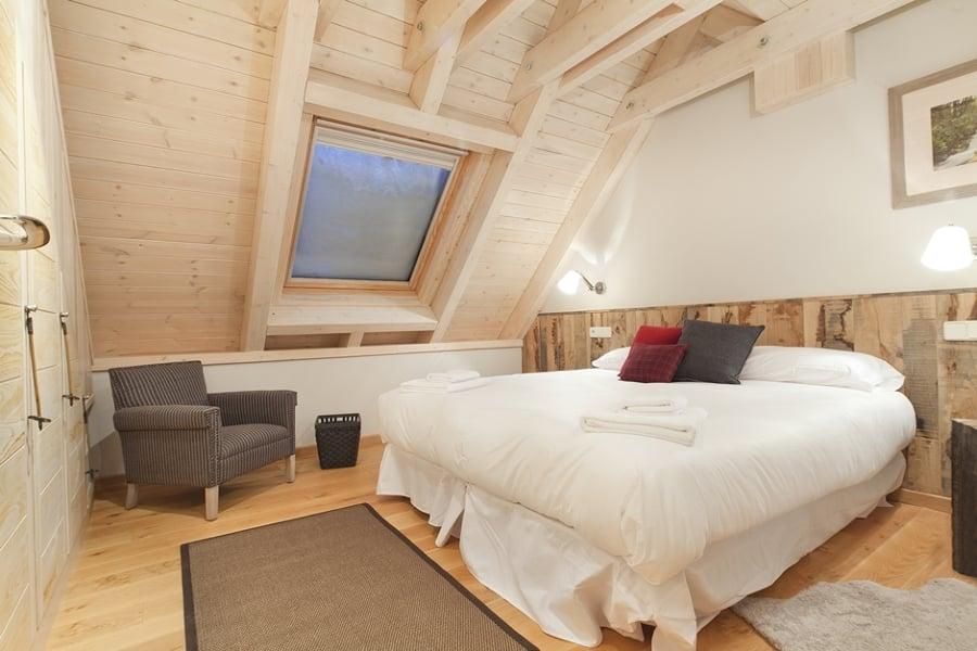 dormitorio-abuhardillado-apartado-6-1