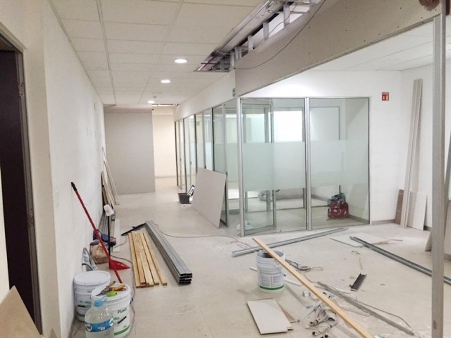 Remodelaci n y adecuaci n de oficina corporativa ideas for Remodelacion oficinas