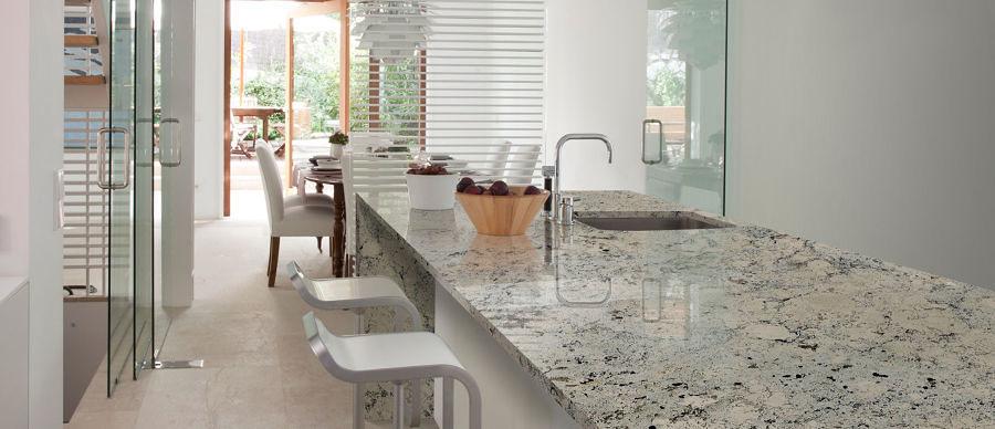El top 3 en cubiertas de cocina granito m rmol sint tico for Tipos de marmol granito