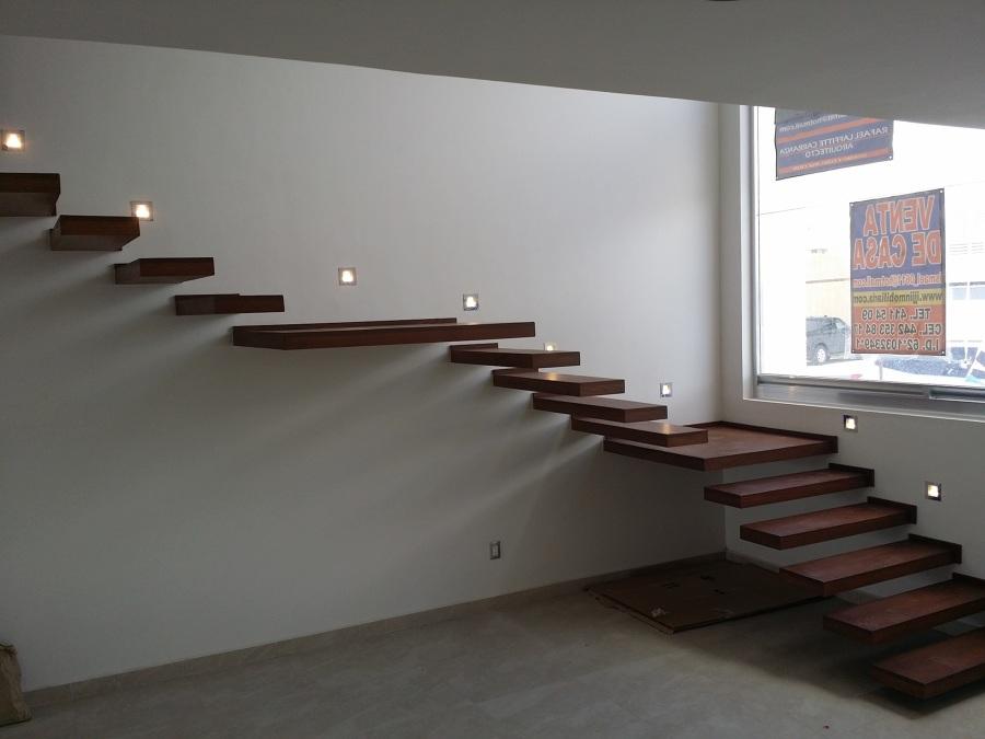 Casa habitacion la venta del refugio ideas arquitectos - Iluminacion led escaleras ...