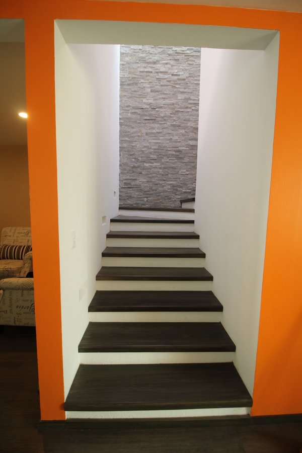 Dise os y remodelaciones ideas construcci n edificio - Construccion escaleras interiores ...