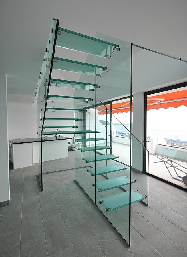 Foto Escalera de Cristal Templado de Vecalum Aluminio y Cristal