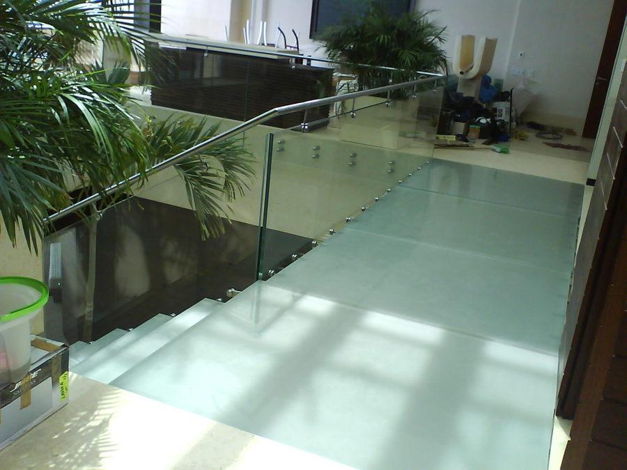 Foto escalera de cristal templado de camar proyecto y - Pasamanos de cristal para escaleras ...
