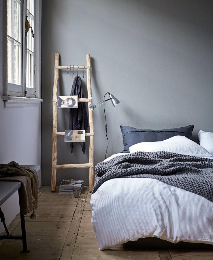 Foto rec mara con escalera de madera natural 222634 - Habitaciones con muebles blancos ...