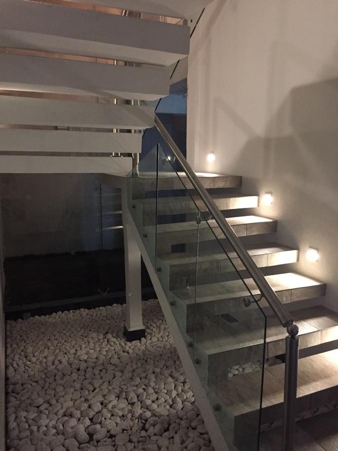 Escaleras planta baja