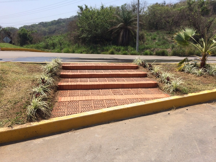 Escalinatas Colegio Cumbres