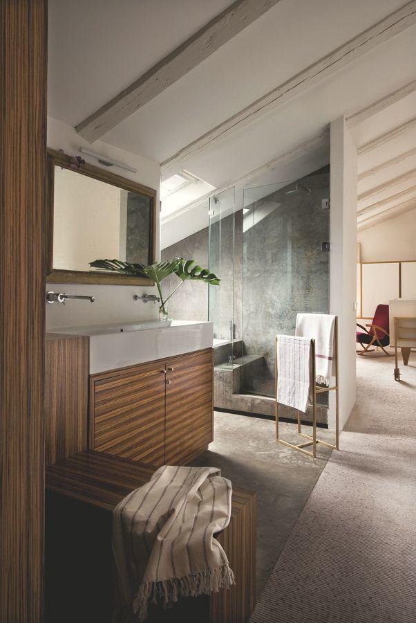 baño moderno espacioso