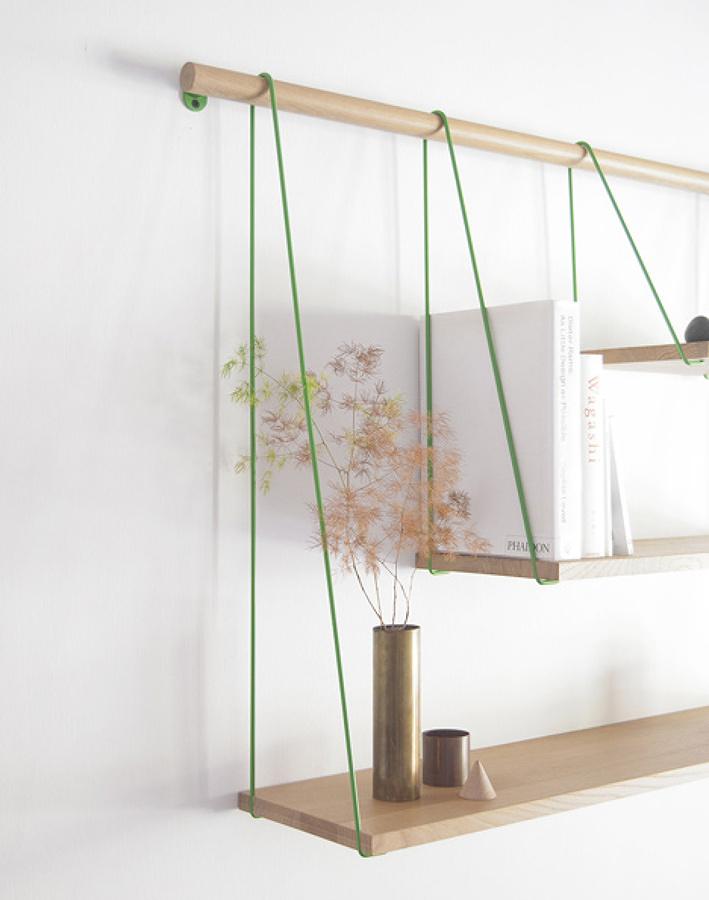 estanteria con cuerdas