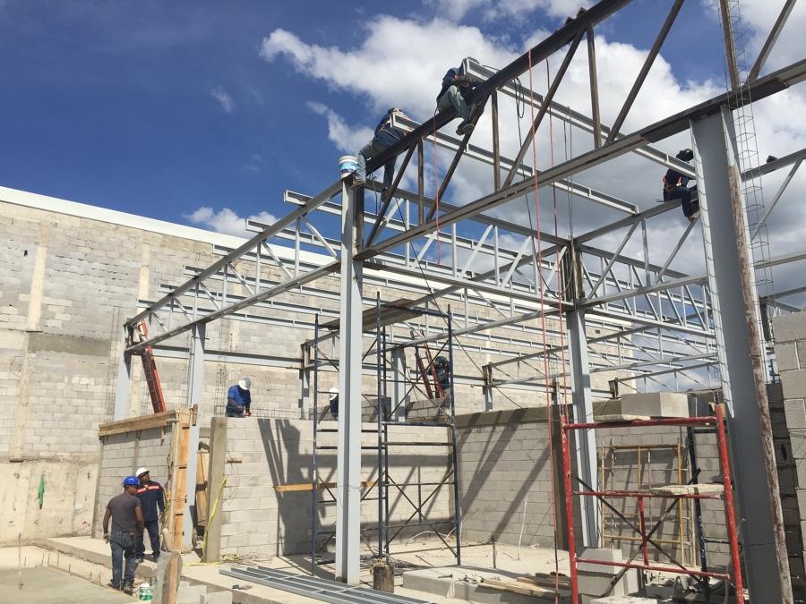 Hub quer taro ideas construcci n edificio - Casas con estructura metalica ...