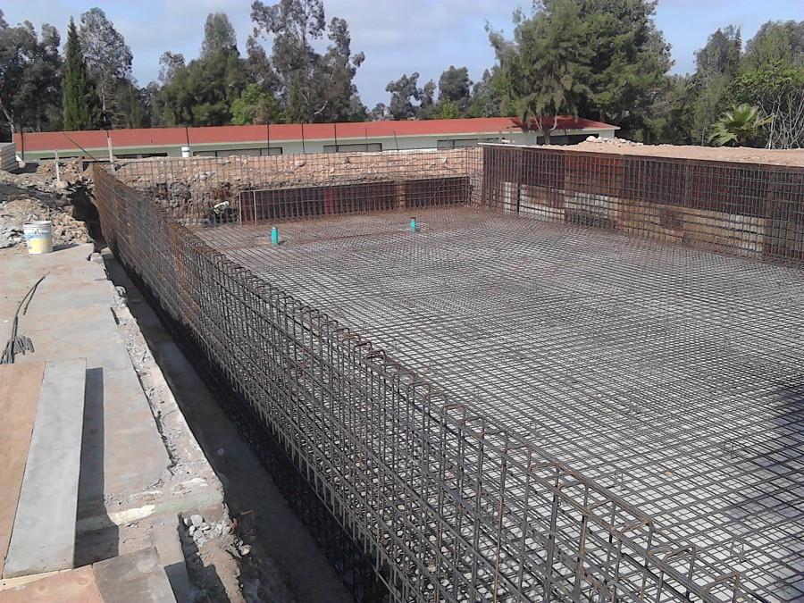 Foto estructura de refuerzo alberca semi ol mpica de for Costo de una alberca de concreto