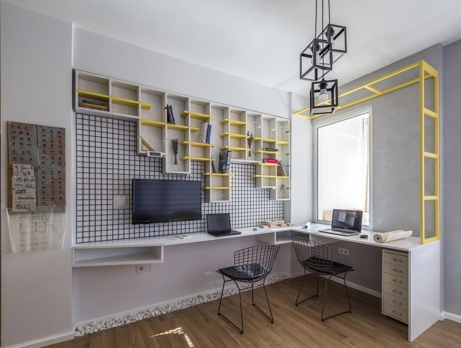 Oficina con estanterías móviles