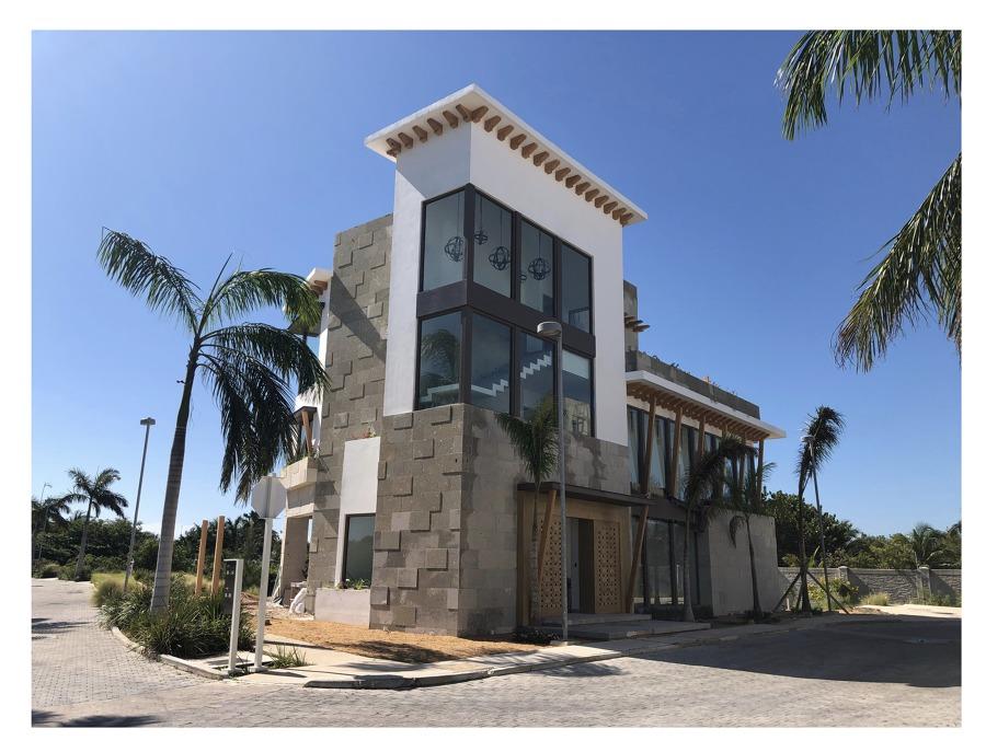 facada lateral Residencial Laguna Puerto Cancun