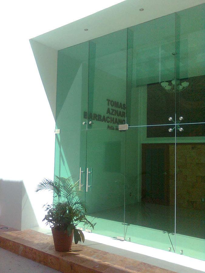 Foto fachada integral en cristal templado con ara as y - Fachada de cristal ...