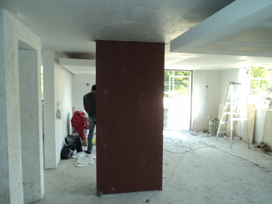 Forrado y refuerzo de columna a base de panel de acero