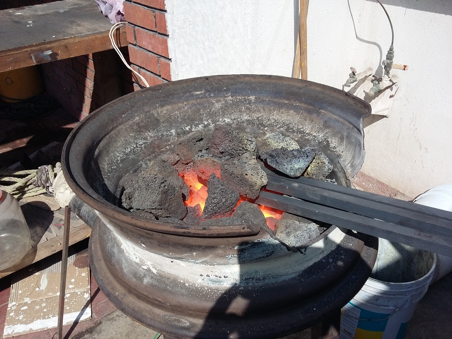 Fragua para forjado de varillas