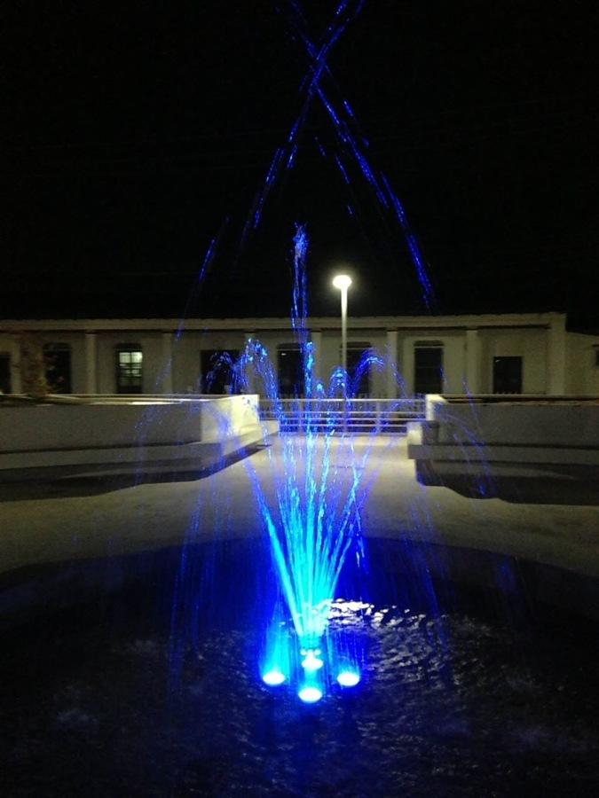 Fuente de Corona con led rgb en color azul.