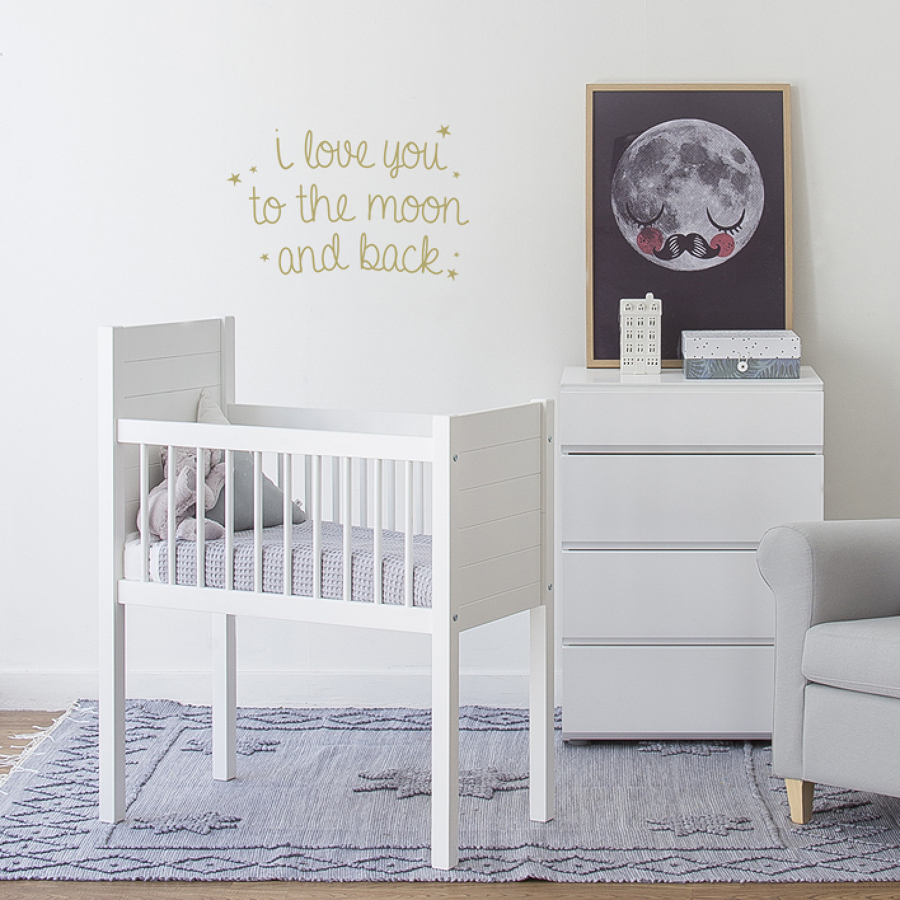 foto habitacion de bebe en blanco 136149 habitissimo. Black Bedroom Furniture Sets. Home Design Ideas