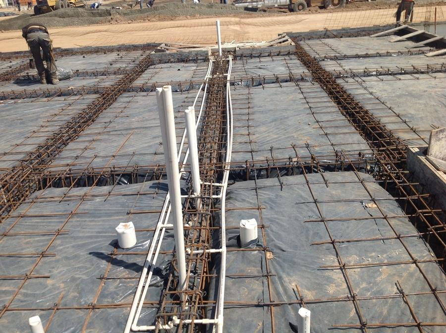 Hbilitado de acero e instalaciones en losa de cimentacion