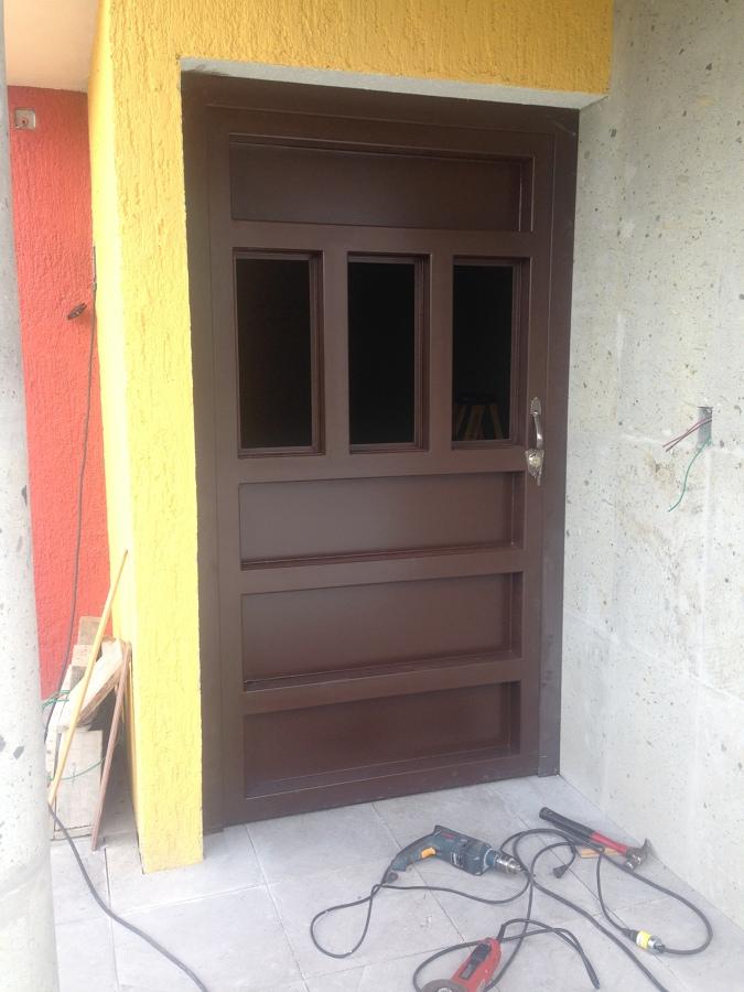 Herreria en puertas y portones ideas arquitectos for Puertas de herreria para interiores