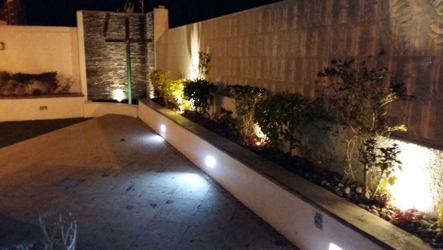 Foto iluminacion terraza y muro lloron de jal tec 270953 - Iluminacion terraza ...