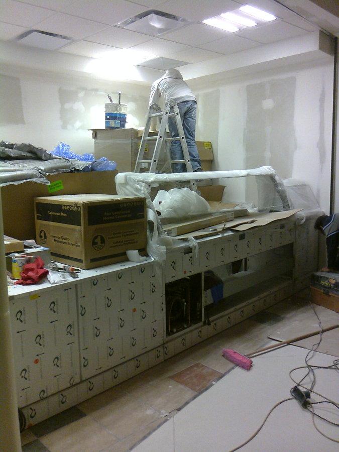 Instalación de equipos y mobiliario
