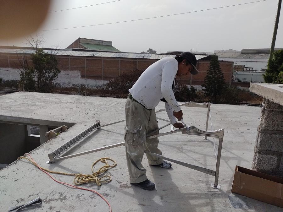 Instalación de estructura calentador solar