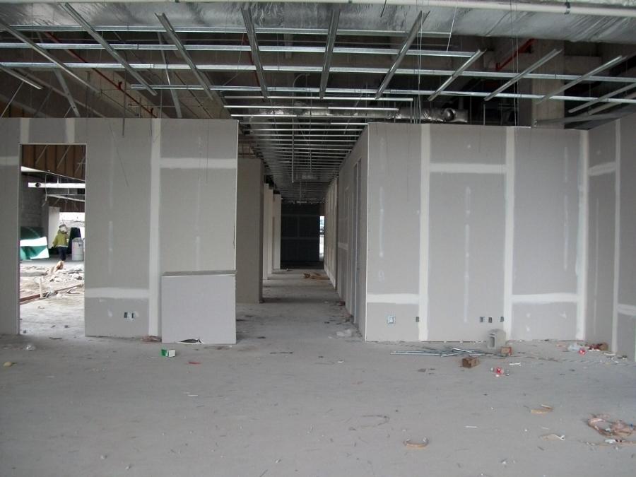 Foto instalaci n de muros y plafones de tablaroca de s r for Plafones de pared para bano