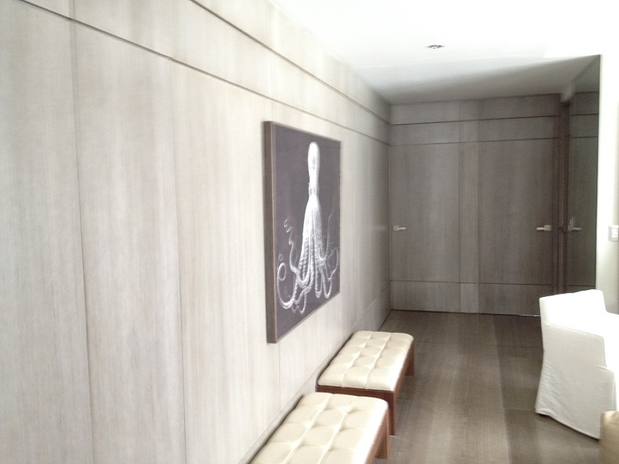 Foto instalacion de puertas y paneles de madera de for Instalacion de puertas