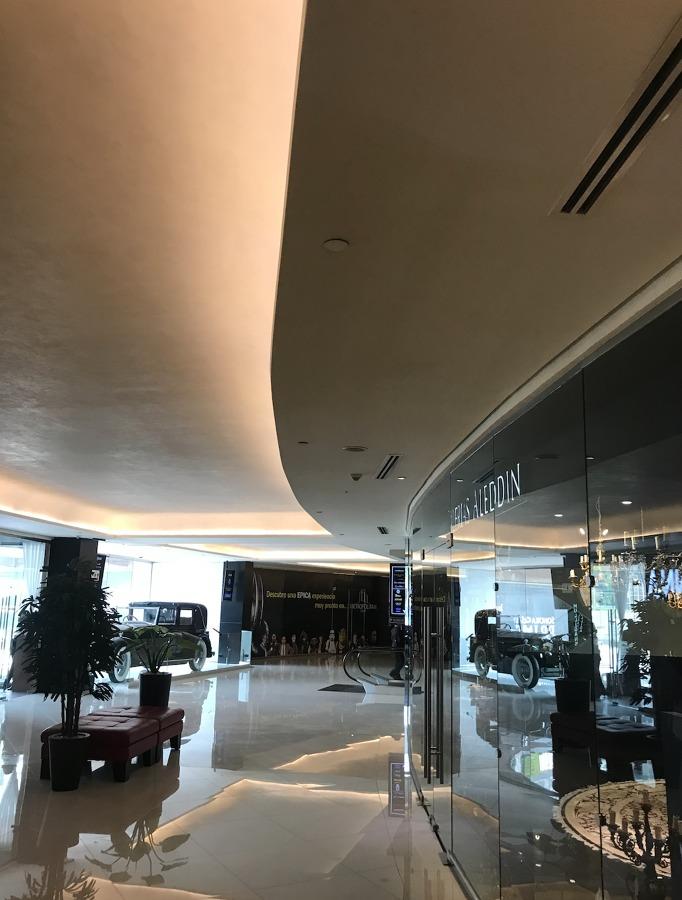 Instalacion de red de contraincendio dentro del centro comercial