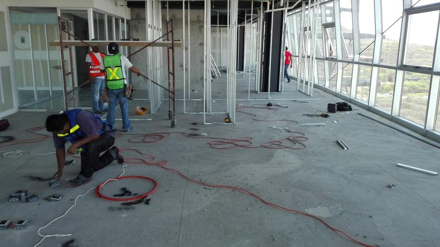 Foto instalaci n el ctrica de seinger construcciones for Instalacion electrica jardin