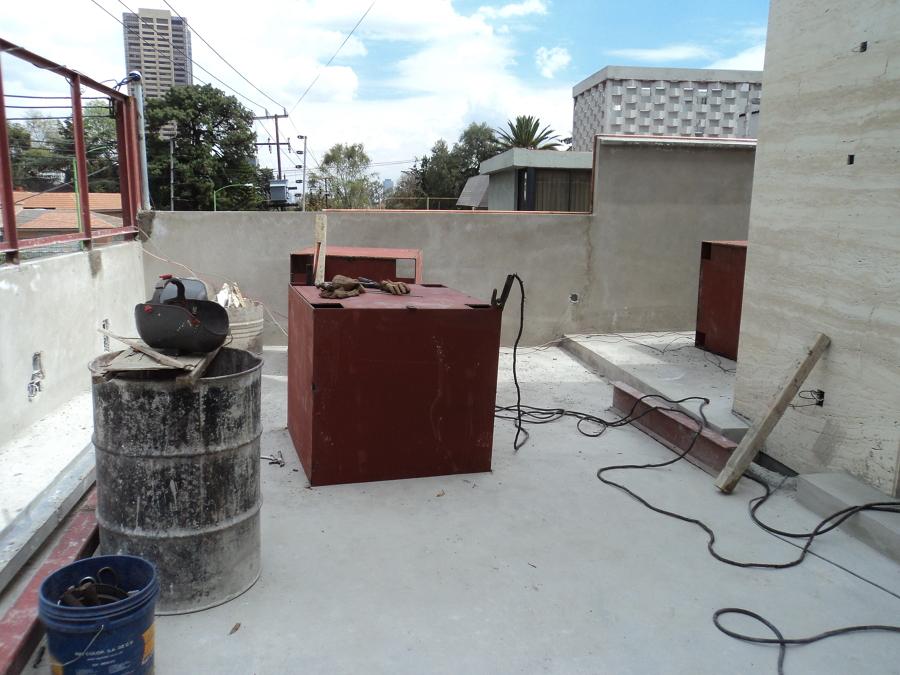 Jardinera a base de paneles de acero